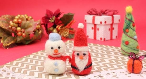 サンタと雪だるま