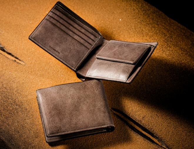 カルドミラージュ二つ折り財布